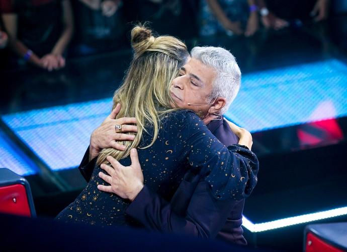 Quero um abraço desse também! (Foto: Isabella Pinheiro/Gshow)