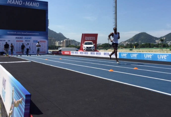 Usain Bolt treina debaixo de sol no Jockey Club após evento (Foto: Amanda Kestelman)