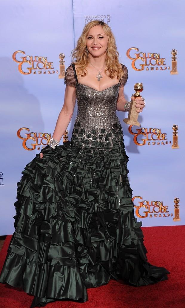 Luvas no Globo de Ouro - Madonna em 2012 (Foto: Getty Images)