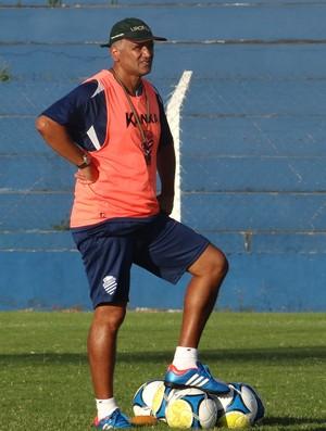 Oliveira Canindé, técnico do CSA (Foto: Caio Lorena / Globoesporte.com)