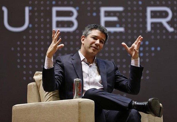 O CEO do Uber Travis Kalanick conversa com alunos do Indian Institute of Technology (IIT) em Mumbai, India (Foto: Danish Siddiqui/Reuters)