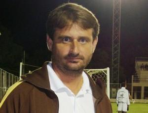 Giuliano Pariz, técnico do Botafogo de Jaguaré (Foto: Deysiane Gagno/Divulgação)