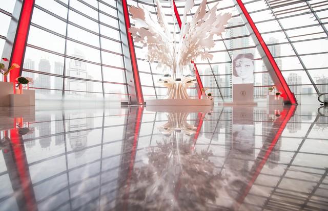 Cartier criou enorme espetáculo de luzes no Burj Khalifa (Foto: Reprodução)