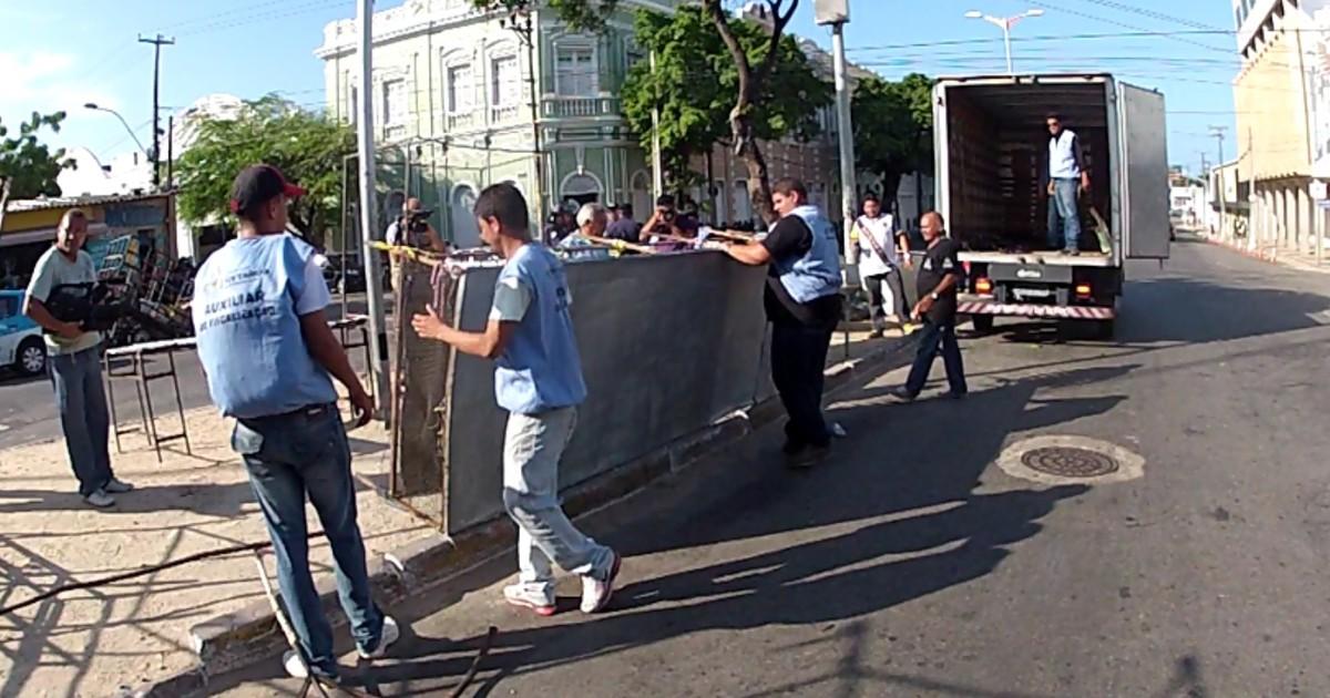 Prefeitura remove barracas na feira da José Avelino, em Fortaleza - Globo.com