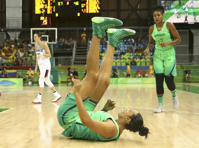 Brasil x França - Basquete feminino - Rio 2016 (Foto: Marko Djurica/Reuters)