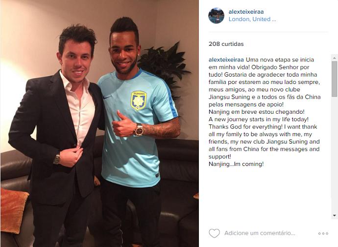 BLOG: Alex Teixeira faz homenagem ao Shakhtar e já posa com camisa do Jiangsu