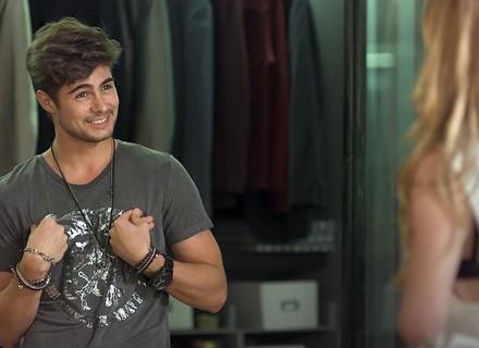 Diana convida Léo para fazer parte do casting da Som Discos