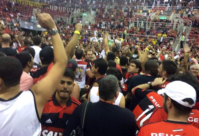 Flamengo campeão inter continental de basquete, invasão (Foto: Amanda Kestelman / Globoesporte.com)