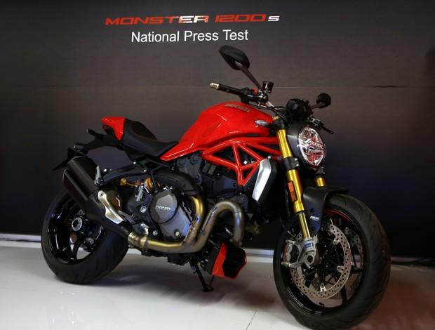 BLOG: MM Lançamentos - Os bastidores da chegada da Ducati Monster 1200 S no Brasil, via Autódromo de Interlagos...