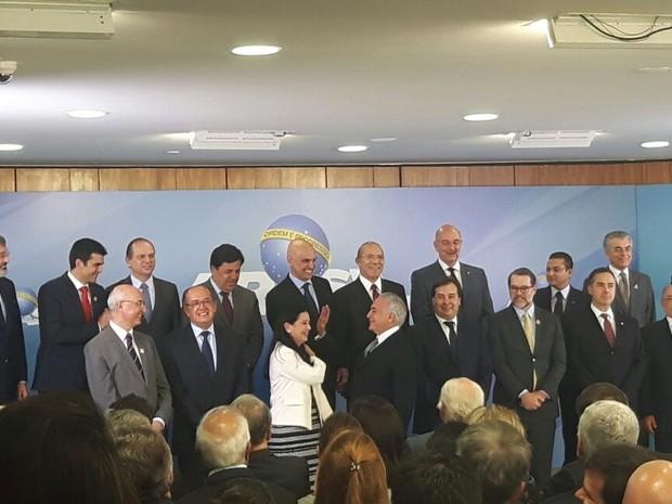 Temer dá posse a Grace Mendonça na chefia da Advocacia-Geral da União (Foto: Fernanda Calgaro / G1)