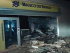 Grupo realiza explosões em banco e em delegacia de São Domingos