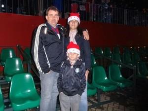 José Carlos e Débora Borsoi levaram o filho Felipe (Foto: Felipe Truda/G1)