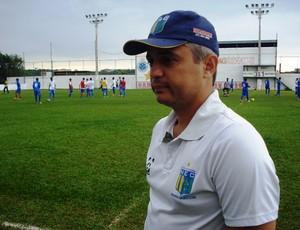 Alexandre Grasseli no treino do Nacional-MG Jr (2) (Foto: Cleber Corrêa/GLOBOESPORTE.COM)
