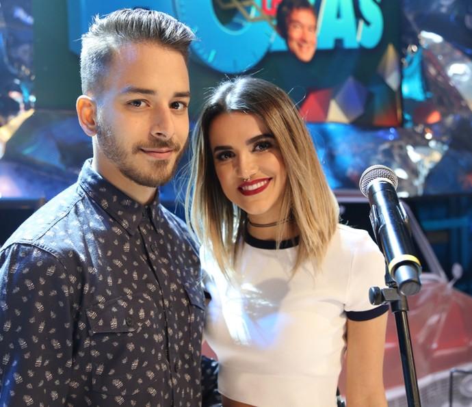 Junior Lima e Manu Gavassi no programa Altas Horas (Foto: Carol Caminha/Gshow)