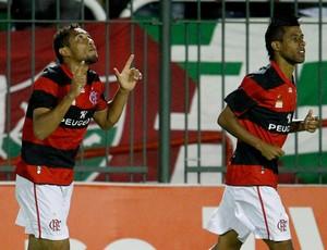 Hernane comemora, Flamengo x Fluminense (Foto: Ivo Gonzalez/Agência O Globo)