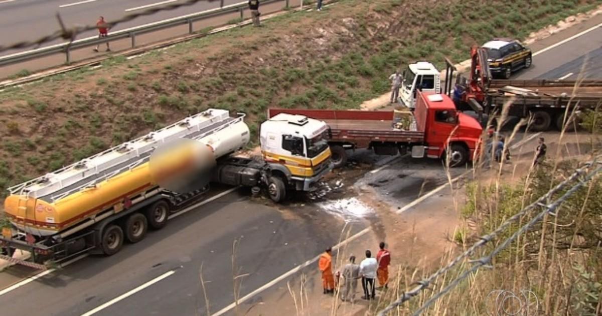 Após acidente, caminhão-tanque para na pista e trava tráfego na ... - Globo.com