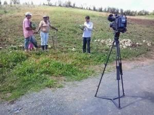 Equipe foi ao Alto Vale conversar com família cujo pai morreu em função do agrotóxico (Foto: Manoel Tavares/RBS TV)