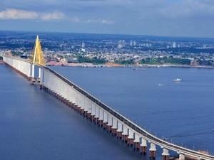 Acidente ocorreu na Ponte Rio Negro, que liga Manaus a Iranduba (Foto: Divulgação)