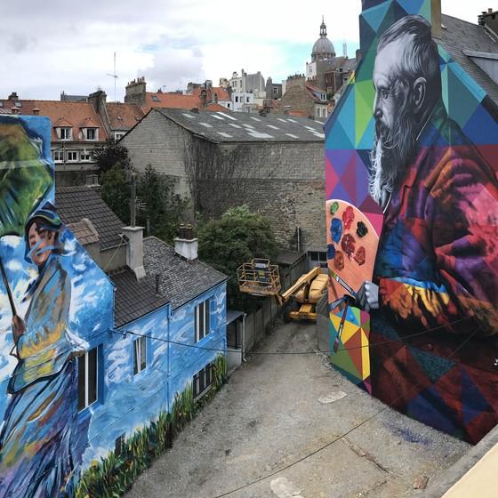 Os dois novíssimos murais de Kobra, na França, inspiardos no pintor Claude Monet (Foto: Divulgação)