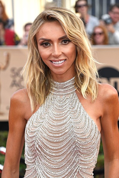 Giuliana Rancic surge magérrima no red carpet do SAG Awards 2017 (Foto: Getty Images)