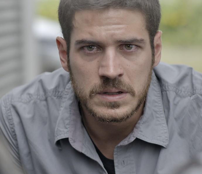 Dante fica inconformado com descoberta (Foto: TV Globo)
