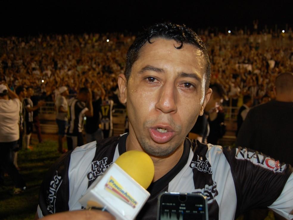 Se o Treze conseguir reverter a desvantagem, Ferreira será pentacampeão paraibano (Foto: Silas Batista / GloboEsporte.com)