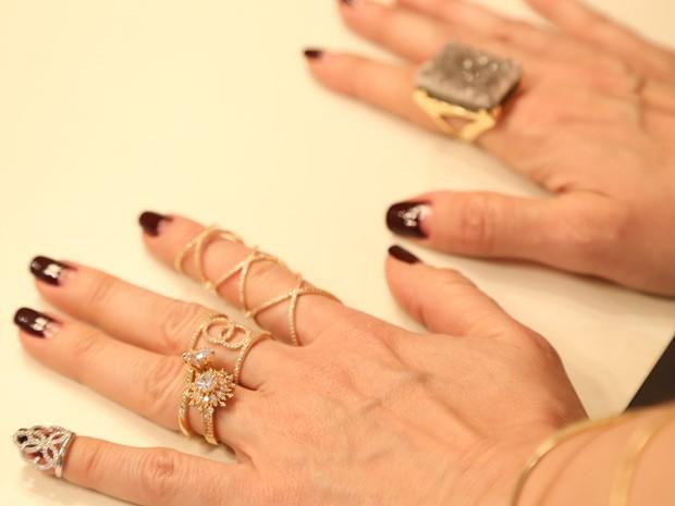 Samantha arrasa com seus anéis: olha só que sucesso! (Foto: Gshow / TV Globo)