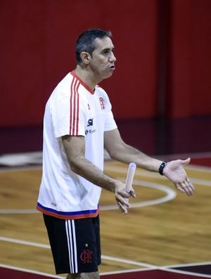 José Neto no treino do Flamengo (Foto: André Durão)