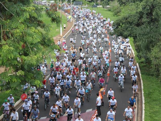 cerca para jardim ribeirao preto:Cerca de 3 mil ciclistas participaram neste domingo (10) de passeio em