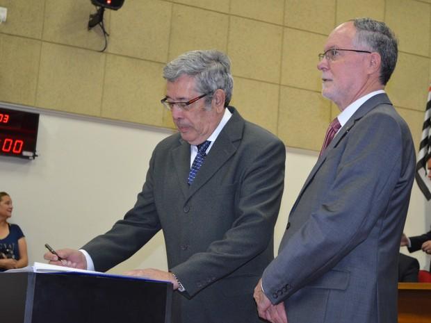 Prefeito eleito em Piracicaba, Barjas Negri (PSDB), e vice, José Godoy, tomaram posse (Foto: Claudia Assencio/G1)