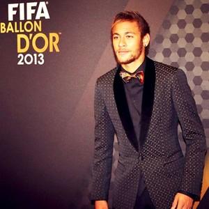 Neymar terno prêmio Bola de Ouro (Foto: Reprodução / Instagran)