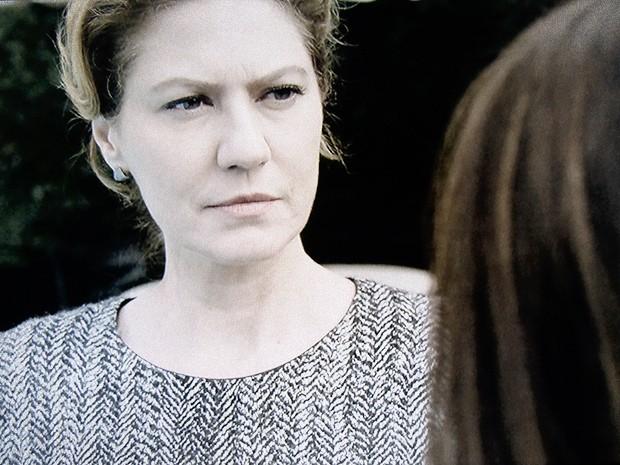 Angela e Rosa em mais um encontro cheio de tensão (Foto: O Rebu / TV Globo)