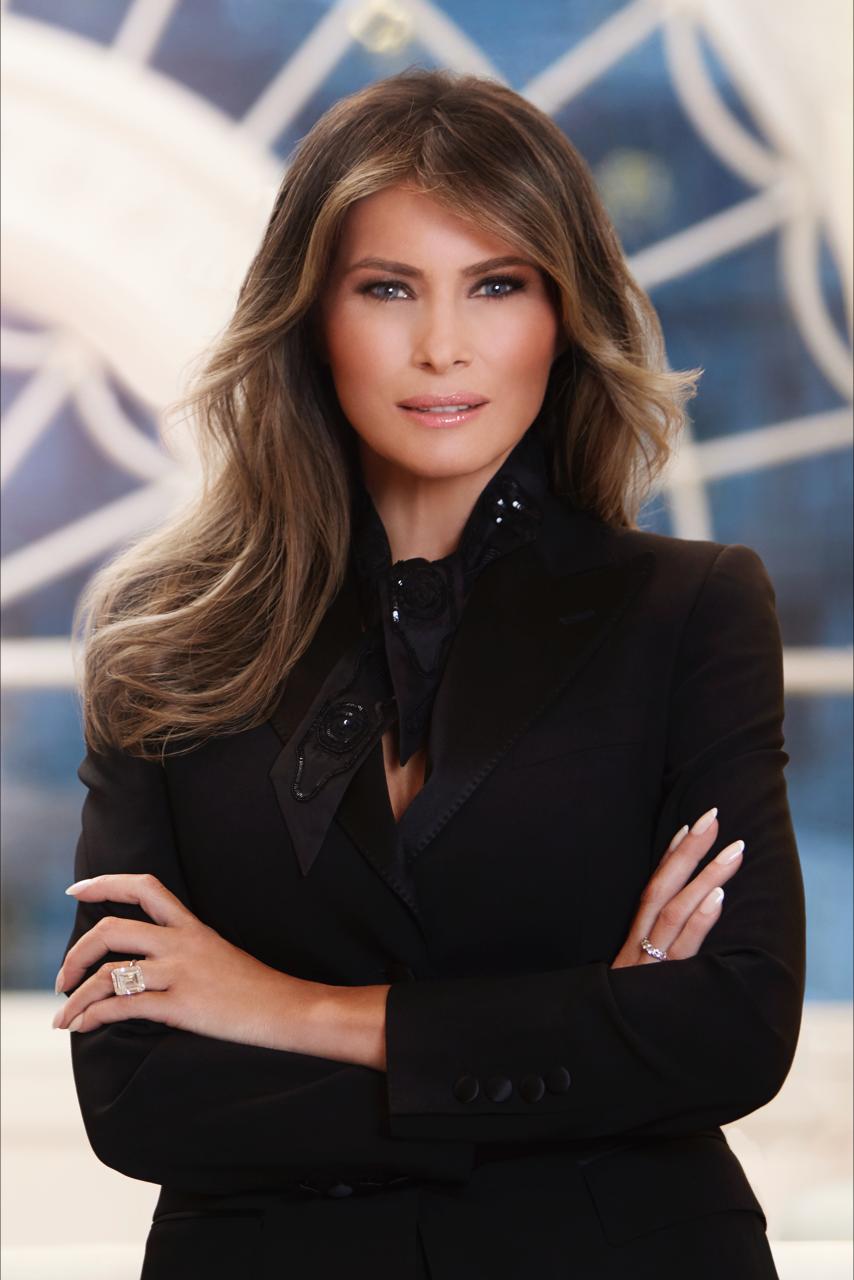 Primeiro retrato oficial de Melania Trump como primeira-dama (Foto: Divulgação/Casa Branca)