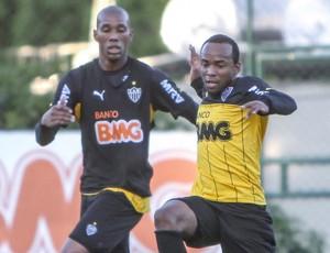 Marion e Victor treino Altético-MG (Foto: Bruno Cantini/Divulgação CAM)
