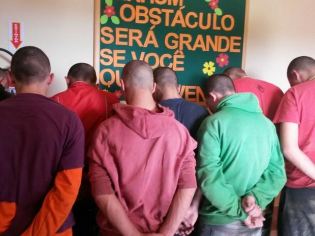 Todos os 13 adolescentes que fugiram foram recapturados (Foto: Polícia Militar/Divulgação)