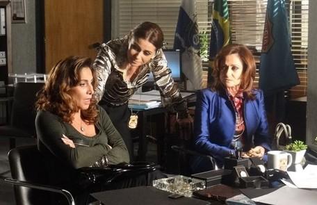 Helô consegue colocar Wanda e Berna (Zezé Polessa) cara a cara e descobre que a turca ajudou a traficante a sequestrar Aisha (Dani Moreno). Wanda é presa Reprodução