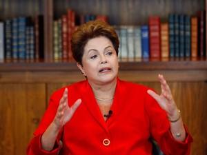 Na BA, Dilma cita fala de FHC em discurso antielitista