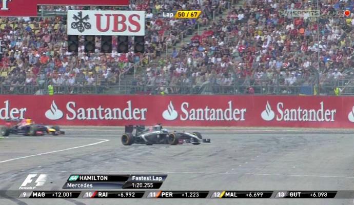Fiscais empurraram carro de Adrian Sutil sem que safety car estivesse na pista  (Foto: Reprodução)