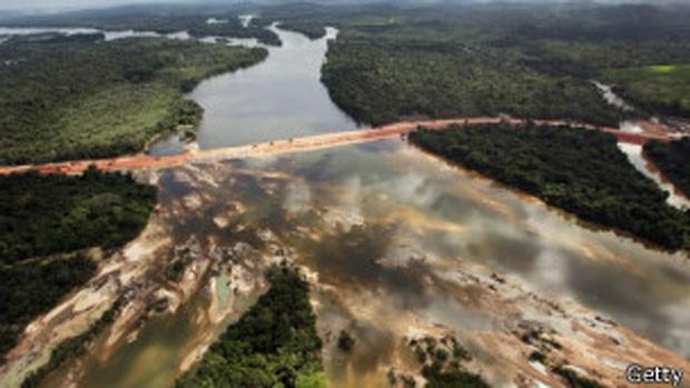 Obras de Belo Monte (Foto: BBC)