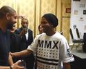"""R10 reencontra Adriano e elogia forma do amigo: """"Está com 20 aninhos"""""""