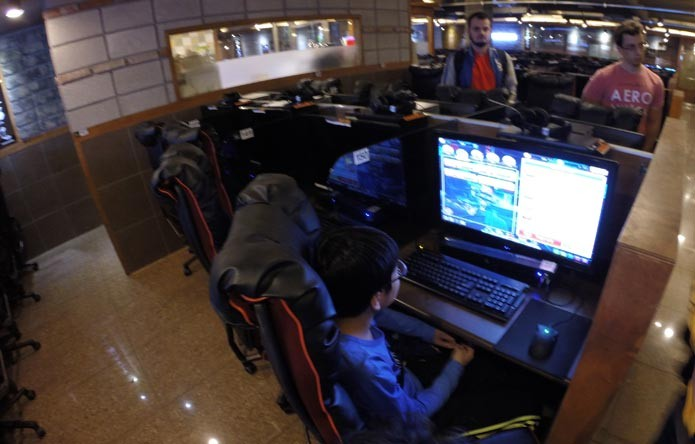 Lan Houses coreanas possuem contas premium e jogadores pagam a mais por elas (Foto: Felipe Vinha) (Foto: Lan Houses coreanas possuem contas premium e jogadores pagam a mais por elas (Foto: Felipe Vinha))