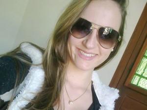 Manuela Martins se recupera de cirurgias no olho e na mão no HPS de Porto Alegre (Foto: Arquivo pessoal)