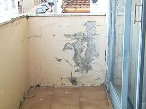 Prédio de Bebedouro apresenta rachaduras em diversos lugares (Foto: Reprodução/EPTV)
