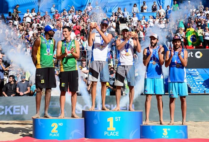 Evandro e André são prata na etapa de Hamburgo do Circuito Mundial de vôlei de praia (Foto: Divulgação FIVB)