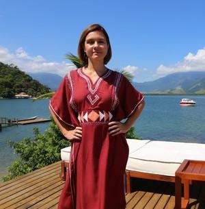 Adriana Esteves é a capa da Revista Encontro (Hellen Couto/Gshow)