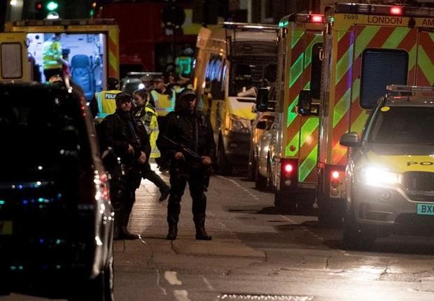 Polícia responde a mais um ataque terrorista em Londres (Foto: EFE)