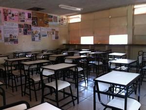 As aulas de uma escola estadual foram suspensas (Foto: Michelly Oda / G1)