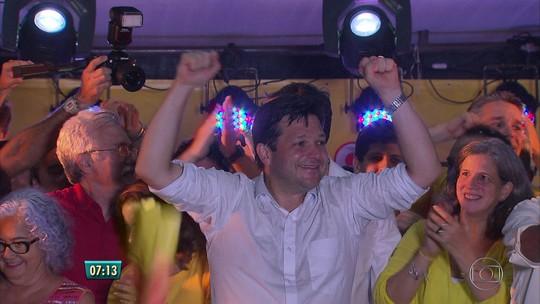 Prefeito reeleito do Recife promete construir hospital e centros de saúde