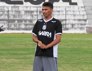 Araújo, atacante do Treze (Foto: Nelsina Vitorino / Jornal da Paraíba)