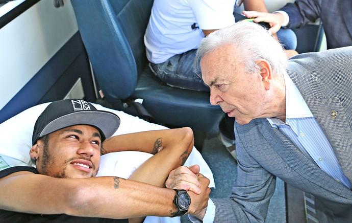 Neymar e Marin Granja Comary (Foto: Ricardo Stuckert / CBF)